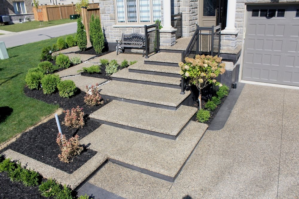 Cascading walkway aggregate